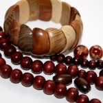 Бижутерия из дерева: натурально и легко