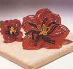 Цветы из бисера: параллельное плетение