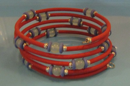 Flexible-Bugle-Beads-Memory-Wire-Bracelet-Kit.jpg